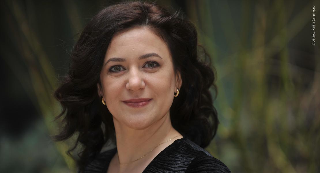"""Interviu cu Mihaela Savu, Director de Comunicare și Relații Publice în cadrul Idea::Bank România: """"Îmi plac biografiile, ne învață că fiecare om vine cu flacăra, rolul și miracolul lui"""""""